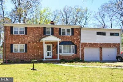 Colonial Beach Single Family Home For Sale: 405 Piney Forest Drive