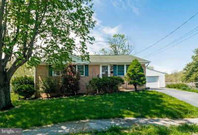 Winchester Single Family Home For Sale: 520 Eagle Place