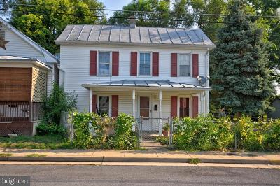 Winchester Single Family Home For Sale: 102 W Southwerk Street