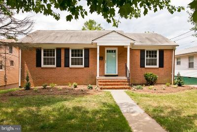Winchester Single Family Home For Sale: 361 Parkway Street