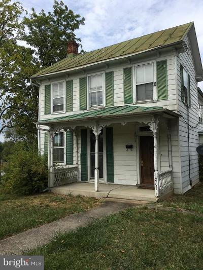 Winchester Single Family Home For Sale: 802 E Cork Street