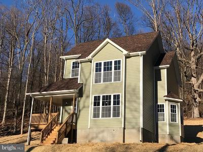 Front Royal Single Family Home For Sale: 30 Orchard Tree Drive