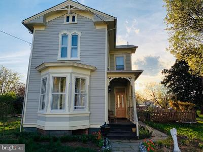 Front Royal Single Family Home Active Under Contract: 215 Blue Ridge Avenue