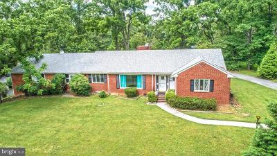 Front Royal Single Family Home Active Under Contract: 97 Walnut Drive