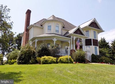 Charles Town Single Family Home For Sale: 1155 Cloverdale Road