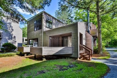 Ocean Pines Condo/Townhouse For Sale: 438 Ocean Pkwy #3