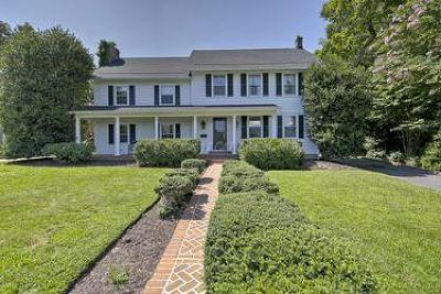 Berlin Single Family Home For Sale: 214 Broad St