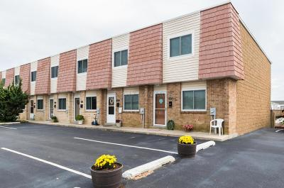 Caine Woods Condo/Townhouse For Sale: 301 136th St #19