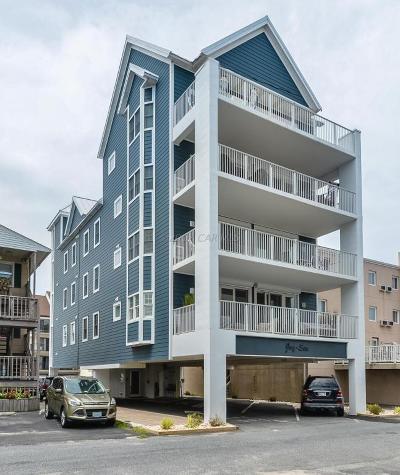 Ocean City Condo/Townhouse For Sale: 12206 Assawoman Dr #201