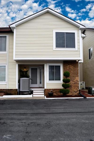 Ocean City Condo/Townhouse For Sale: 13514 Holly Ln #A