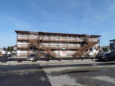 Ocean City Condo/Townhouse For Sale: 512 Robin Dr #7