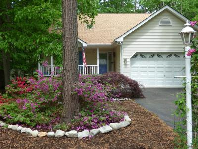 Berlin Single Family Home For Sale: 19 Seagrave Ln