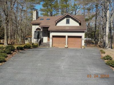Berlin Single Family Home 3rd Party Approval: 7 Harwich Ct