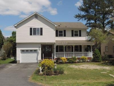 Berlin Single Family Home For Sale: 21 Carriage Ln
