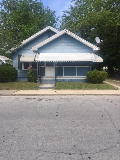 Salisbury Single Family Home For Sale: 611 Liberty St