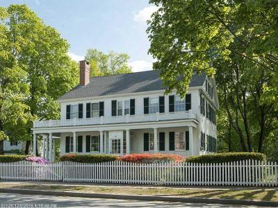 Kennebunk Single Family Home For Sale: 31 Summer Street