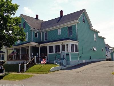 Millinocket Single Family Home For Sale: 96 Oxford St