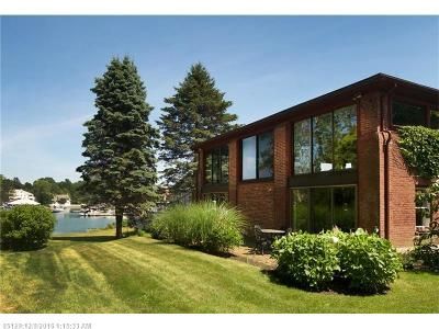 Kennebunk Single Family Home For Sale: 8 Doanes Wharf Rd