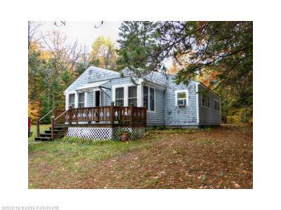Lakeville Single Family Home For Sale: 863 Bottle Lake Rd