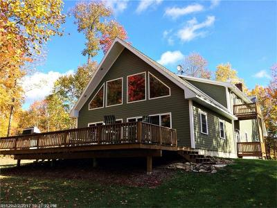 Island Falls Single Family Home For Sale: 284 Houlton Rd