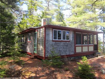 Single Family Home For Sale: 01 Burnt Island Is