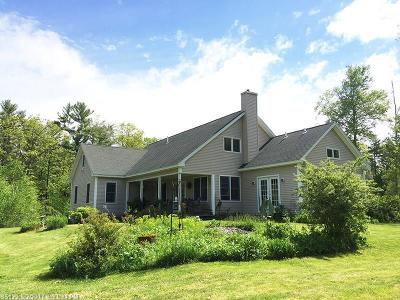 Scarborough, Cape Elizabeth, Falmouth, Yarmouth, Saco, Old Orchard Beach, Kennebunkport, Wells, Arrowsic, Kittery Single Family Home For Sale: 50 Florence Ln