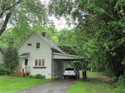 Houlton Single Family Home For Sale: 1 Johnson St