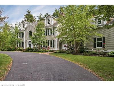 Scarborough, Cape Elizabeth, Falmouth, Yarmouth, Saco, Old Orchard Beach, Kennebunkport, Wells, Arrowsic, Kittery Single Family Home For Sale: 12 Maplewood Cir