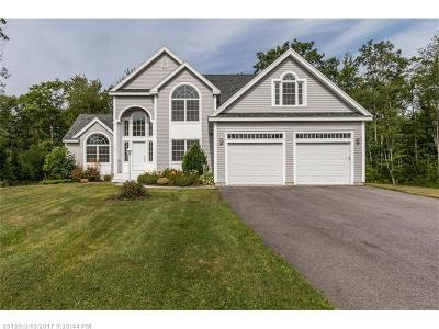 Scarborough, Cape Elizabeth, Falmouth, Yarmouth, Saco, Old Orchard Beach, Kennebunkport, Wells, Arrowsic, Kittery Single Family Home For Sale: 6 Red Barn Cir