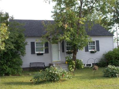 Presque Isle Single Family Home For Sale: 34 Braden St