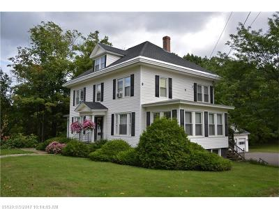 Houlton ME Single Family Home For Sale: $189,900
