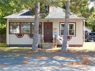 Millinocket Single Family Home For Sale: 157 Prospect St
