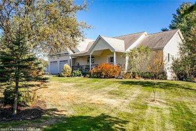 Scarborough, Cape Elizabeth, Falmouth, Yarmouth, Saco, Old Orchard Beach, Kennebunkport, Wells, Arrowsic, Kittery Single Family Home For Sale: 17 Lilac Ln