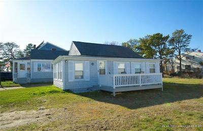 Scarborough, Cape Elizabeth, Falmouth, Yarmouth, Saco, Old Orchard Beach, Kennebunkport, Wells, Arrowsic, Kittery Single Family Home For Sale: 28-30 Lower Beach Rd