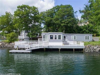 Scarborough, Cape Elizabeth, Falmouth, Yarmouth, Saco, Old Orchard Beach, Kennebunkport, Wells, Arrowsic, Kittery Single Family Home For Sale: 19 Oak Ter