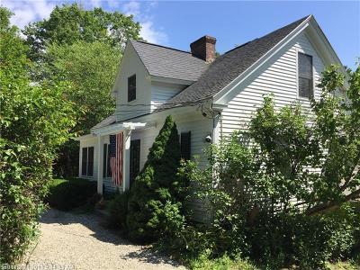 Freeport Multi Family Home For Sale: 17 Lambert Rd