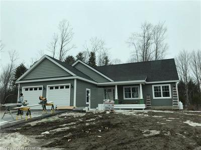 Scarborough ME Single Family Home For Sale: $439,900