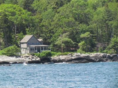 Portland Single Family Home For Sale: 20 Ocean Spray Rd