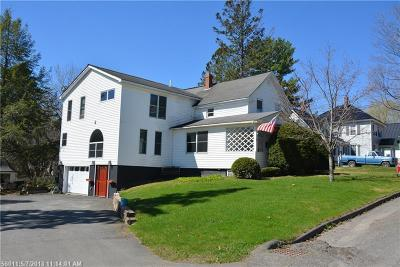 Houlton ME Single Family Home For Sale: $159,900