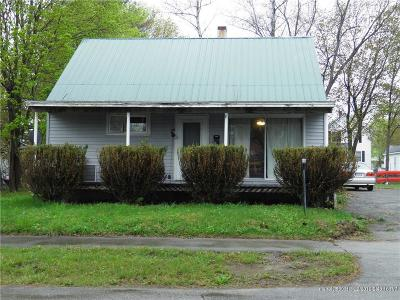 Single Family Home For Sale: 6 Union St