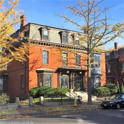 Portland Single Family Home For Sale: 13 Deering St