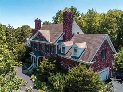Bangor Single Family Home For Sale: 11 Heritage Ln