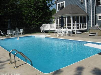 Scarborough Single Family Home For Sale: 4 Fawn Run