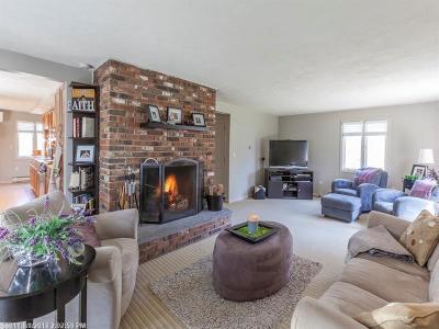 Kennebunk Single Family Home For Sale: 1 Canterbury Cir