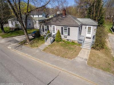 Freeport Single Family Home For Sale: 51 Bow St