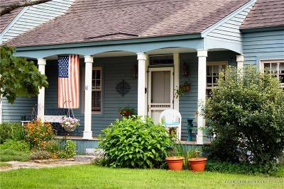 Single Family Home For Sale: 18 Pleasant Street