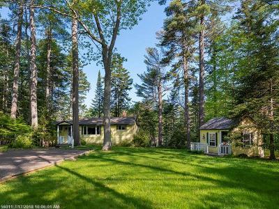 Freeport Single Family Home For Sale: 28 Cunningham Rd