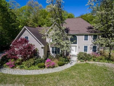 Scarborough, Cape Elizabeth, Falmouth, Yarmouth, Saco, Old Orchard Beach, Kennebunkport, Wells, Arrowsic, Kittery Single Family Home For Sale: 14 Summit Ter