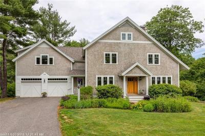 Portland Single Family Home For Sale: 101 Rivers Edge Dr