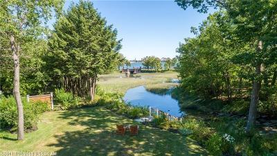 Portland Single Family Home For Sale: 31 Brookside Rd